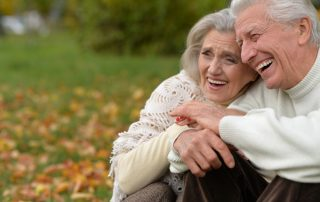 Ancianos y Dentaduras