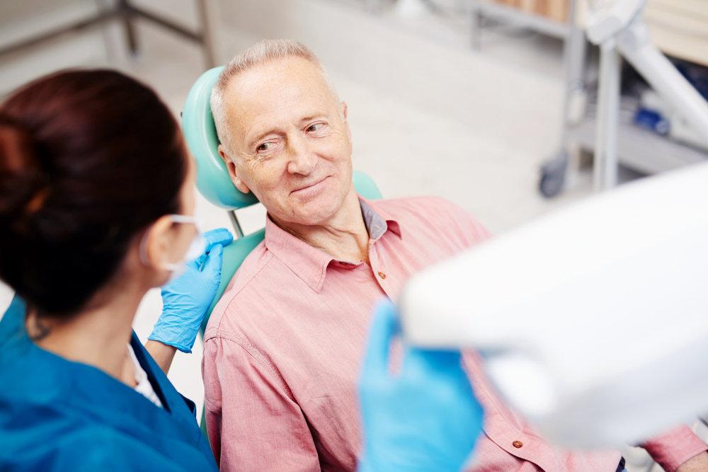 Senior at dentist (diabetes and oral health)