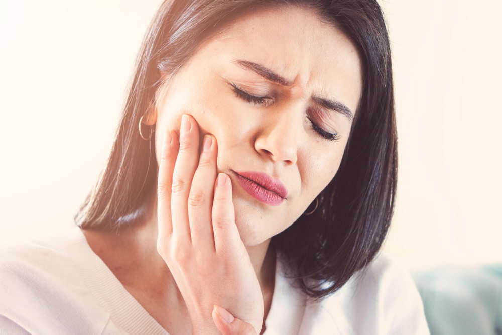 Woman-suffering-from-toothache