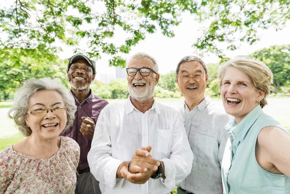 Seniors smiling (Dental Health Tips for Seniors)